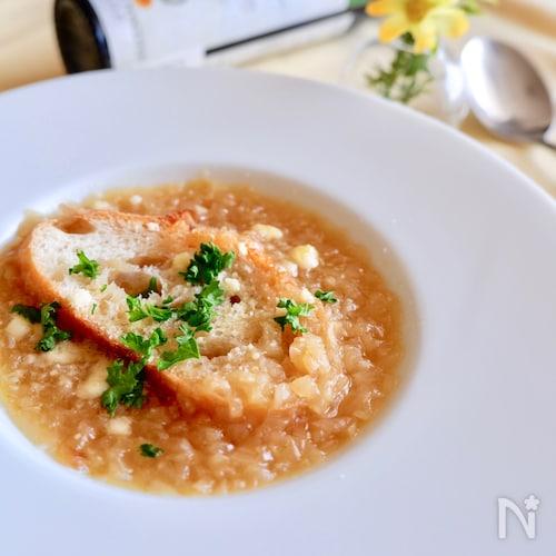 冷凍たまねぎの甘みたっぷりオニオンスープ