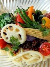 野菜たっぷり!ボリューム満点!カレー風味の冷やしうどん