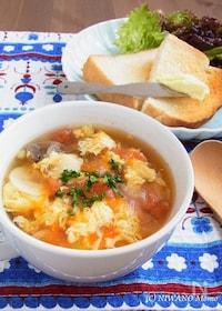 『にんにくとトマトのふわふわ卵スープ』