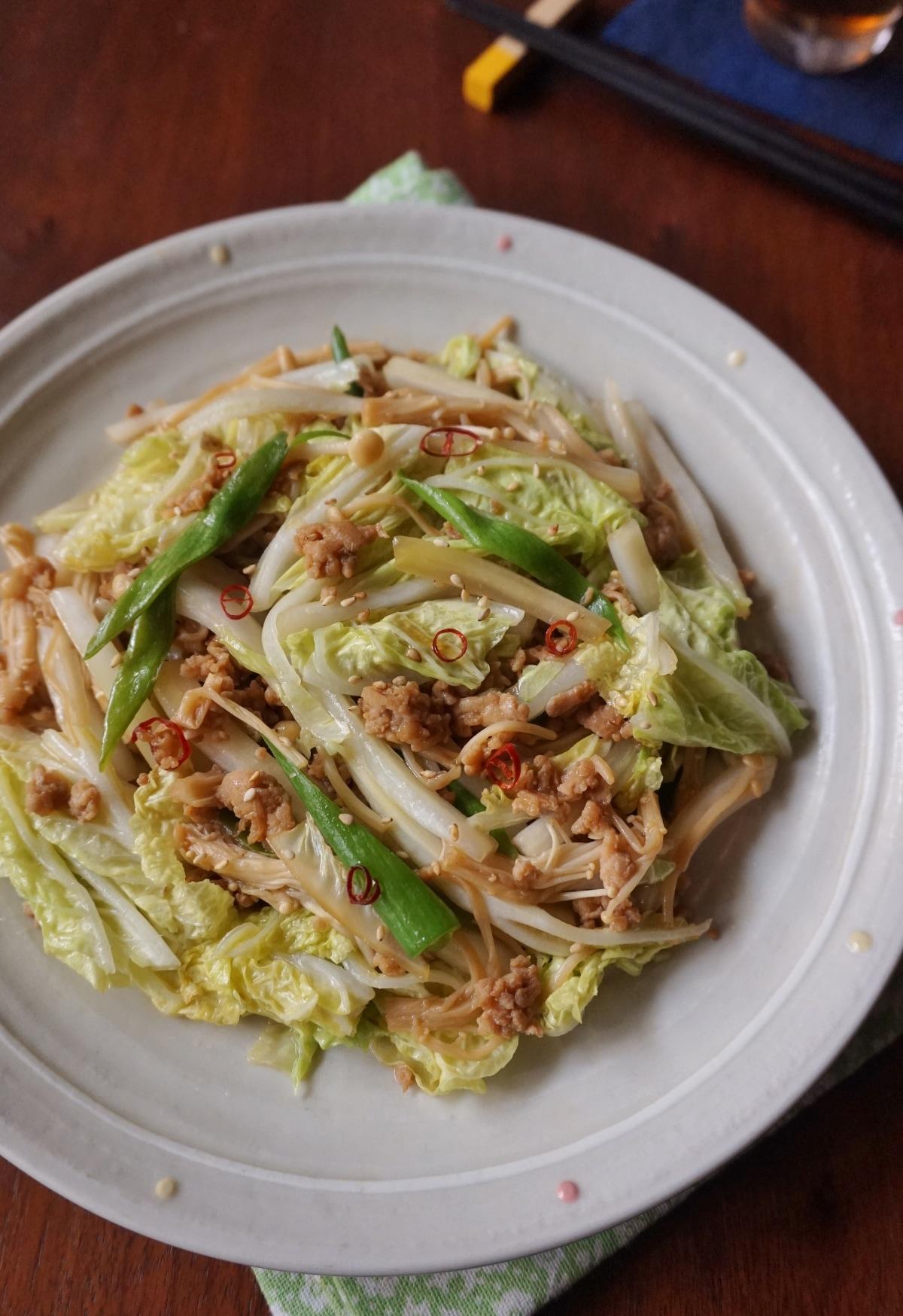 白菜と豚そぼろのピリ辛炒め