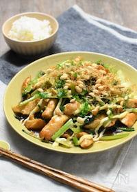 『鶏ムネと小松菜のお好みソース炒め*コスパ高でがっつりおかず!』