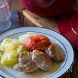 フレッシュ野菜ソースで煮込んだ豚ヒレ肉【STAUBレシピ】