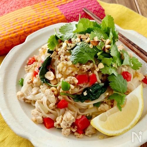 ガパオ麺(フォー)