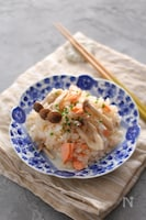 塩鮭としめじの和洋炊き込みご飯
