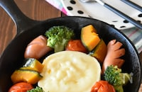 白だし蒸し野菜のチーズフォンデュ