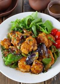 『【ご飯に乗せたい】鶏もも肉と茄子ピーマンの濃厚ポン酢鶏』