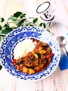 ズッキーニと夏野菜のドライカレー【ルウ不使用・作り置き可】