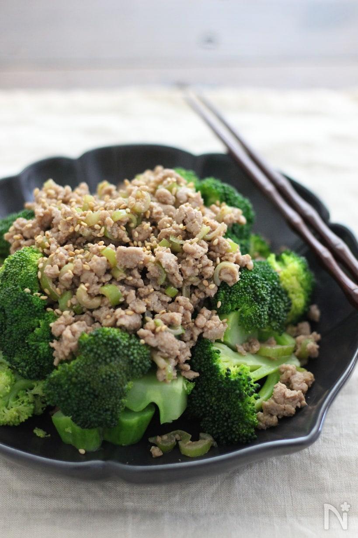 ブロッコリーとひき肉のサラダ