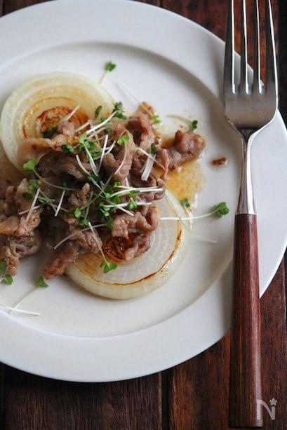 豚マスタード炒めの玉ねぎステーキ