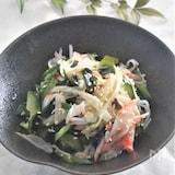 寿司酢で簡単うどとカニカマの酢の物