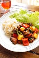 スタミナ満点!夏野菜とチーズのピリ辛肉味噌炒め
