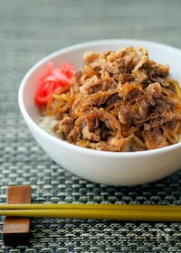 『しらたきが美味しい「基本の牛丼」』