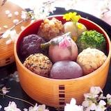 【炊飯器で作れる】もち麦入りカラフルおはぎ*おはぎとぼた餅?
