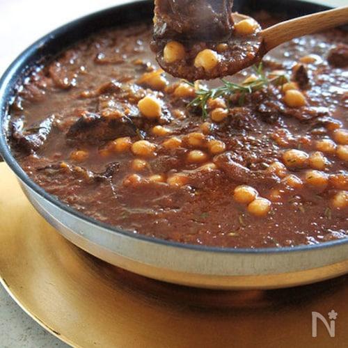 ローズマリーと豆のウフ・ブルギニヨン風鍋