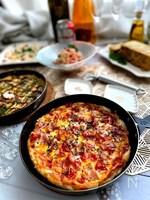 余ったお餅で「もちピザ」!トマト&ベーコン