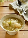 白菜たっぷり鶏肉とエビのワンタン風スープ