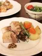 ストウブで作る 豚バラ肉と野菜のローズマリー蒸し
