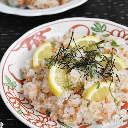 鮭と大葉の甘辛フレークレモンちらし寿司