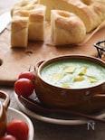 【10分】小松菜とさつまいものスープ。