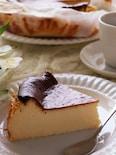 混ぜて焼くだけ♡濃厚とろける18cm型のバスク風チーズケーキ