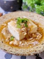 生姜香る☆『鶏そぼろときのこのあんかけ豆腐』
