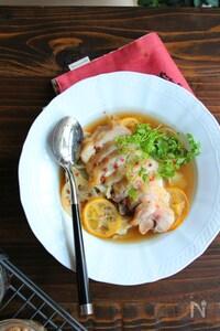 レンジで作れるごちそうレシピ!鶏もも肉とキャベツのレモン蒸し