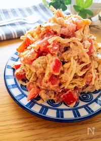 『美味しすぎ♡切り干し大根とトマトのピリ辛ごまツナマヨサラダ』