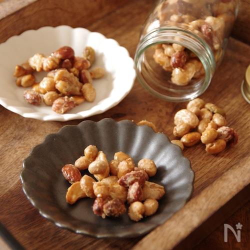 とまらないおいしさ♪煎り大豆とナッツのかりかりメープルおかき