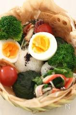 サラダスティック(カニ風味かまぼこ)とレタスのマヨネーズ和
