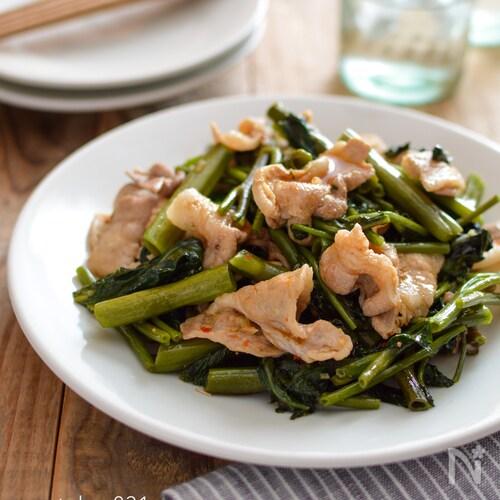 豚バラと空芯菜の中華炒め。ピリ辛でご飯が進む、簡単おかず!