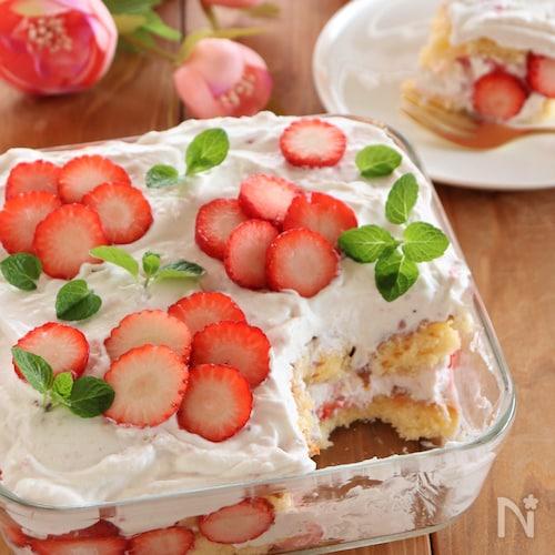 いちごのスコップケーキ