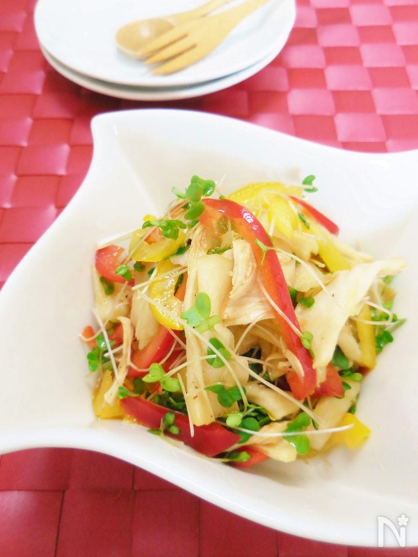 パプリカやブロッコリースプラウトがカラフルなかんぴょうサラダ