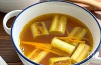 とろ~り甘い【焼きねぎのコンソメスープ】