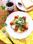 水菜とカマンベールチーズと炒りたまごのホットサラダ