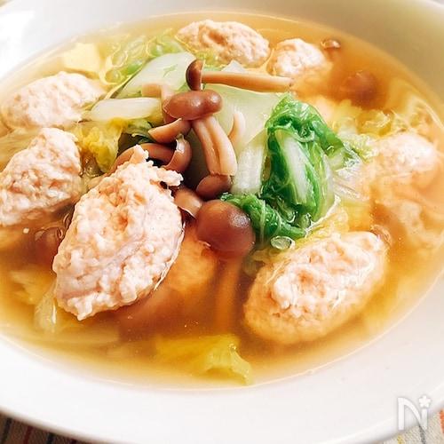 たくさん食べよう♪白菜と鶏だんごのスープ煮