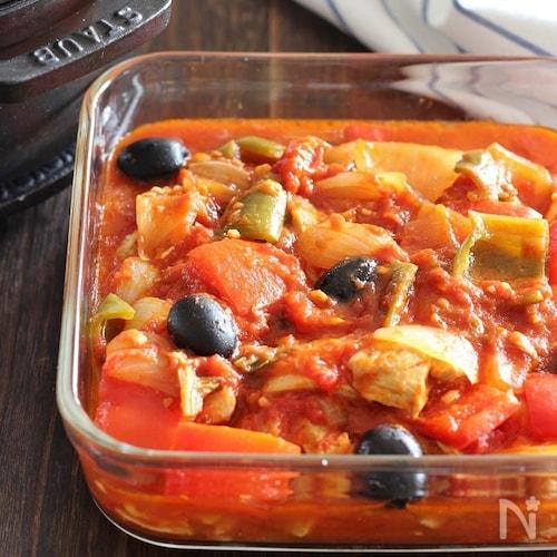 鶏肉とブラックオリーブのトマト煮