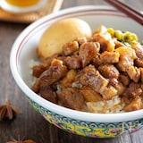 魯肉飯(ルーロー飯)