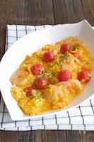 むき海老とプチトマトとのチーズ卵炒め