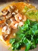 塩レモンのトムヤンクン鍋