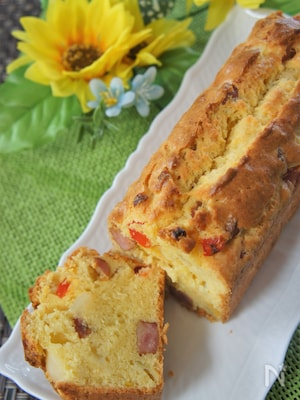 簡単♪ウィンナーと野菜のケークサレ(おかずケーキ)
