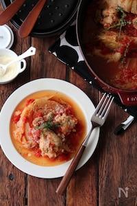 キャベツと鶏手羽元のトマト煮込み。
