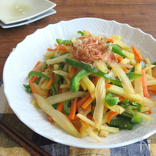 フライパン1つで簡単☆彩り野菜のおかか炒め中華風