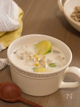 あさりと芽キャベツの春色ミルクスープ