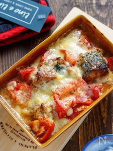 サバ缶とトマトのマヨチーズ焼き【#乗せて焼くだけ】