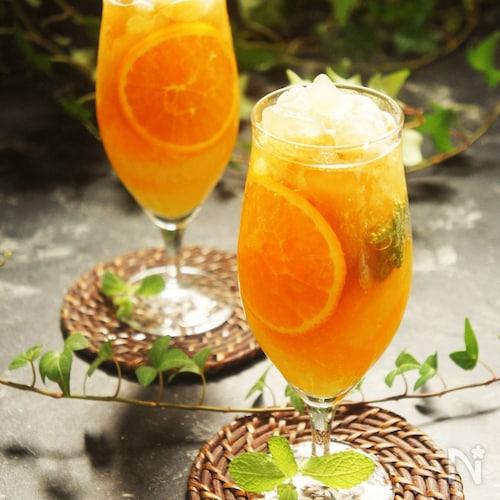 爽やか柑橘フルーツとハーブ&スパイススパークリング東方美人茶