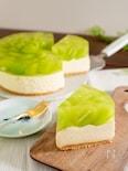 シャインマスカットのレアチーズケーキ