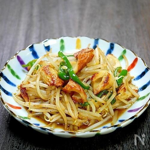 副菜どうしでメインのレシピに「竹輪ともやしのガーリック炒め」