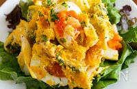 『かぼちゃと卵のデリ風サラダ』卵たっぷり♡レンジで手軽に!