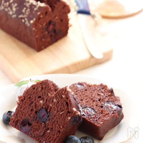 ごろっとブルーベリー入り!ココアの蒸しパウンドケーキ