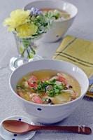温まる♪カニカマ、豆腐の卵スープ